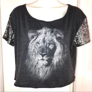 Hollister Crop Top With Lion Face, Size M